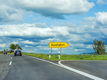 Highway Exit Raod Sign / Ausfahrt