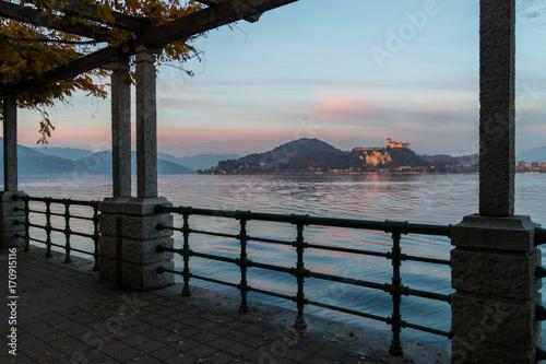Photo  Lungolago di Arona, Lago Maggiore, Novara, Piemonte, Italia