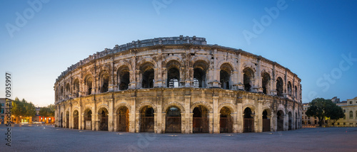 Canvas Print Evening view of Nîmes Arena -  France