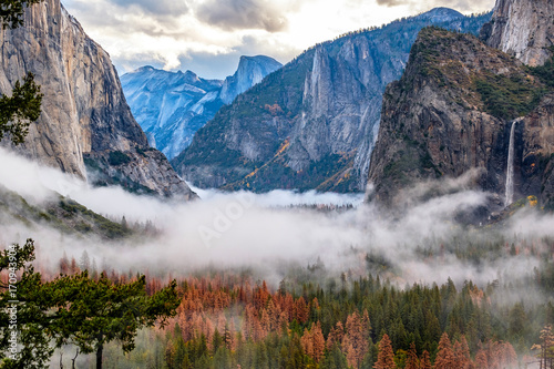 Yosemite Valley at cloudy autumn morning Canvas Print