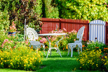 White Metal Garden Furniture A...