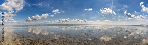 Tuinposter Noordzee Wolkenstimmung über der Nordsee