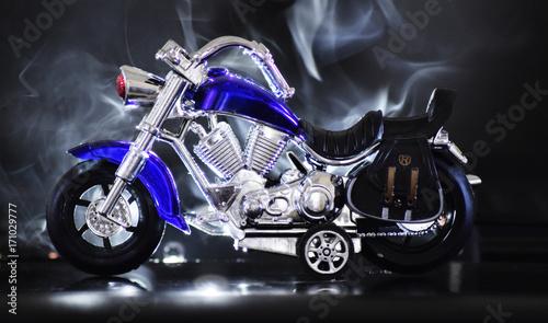 zabawkowy-model-dzieciecego-motocykla-z-efektem-dymu