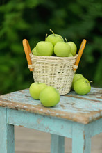 Homemade Rustic Green Apples I...