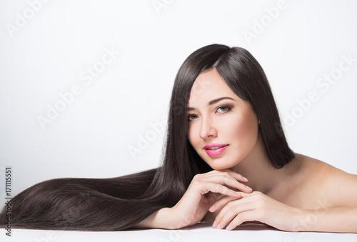 Fényképezés  woman with long beautiful hair