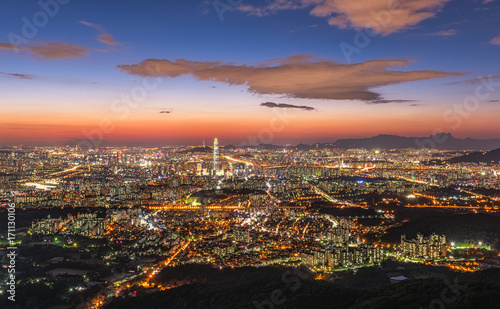 Staande foto Afrika landscape of Seoul city skyline at night in Korea.