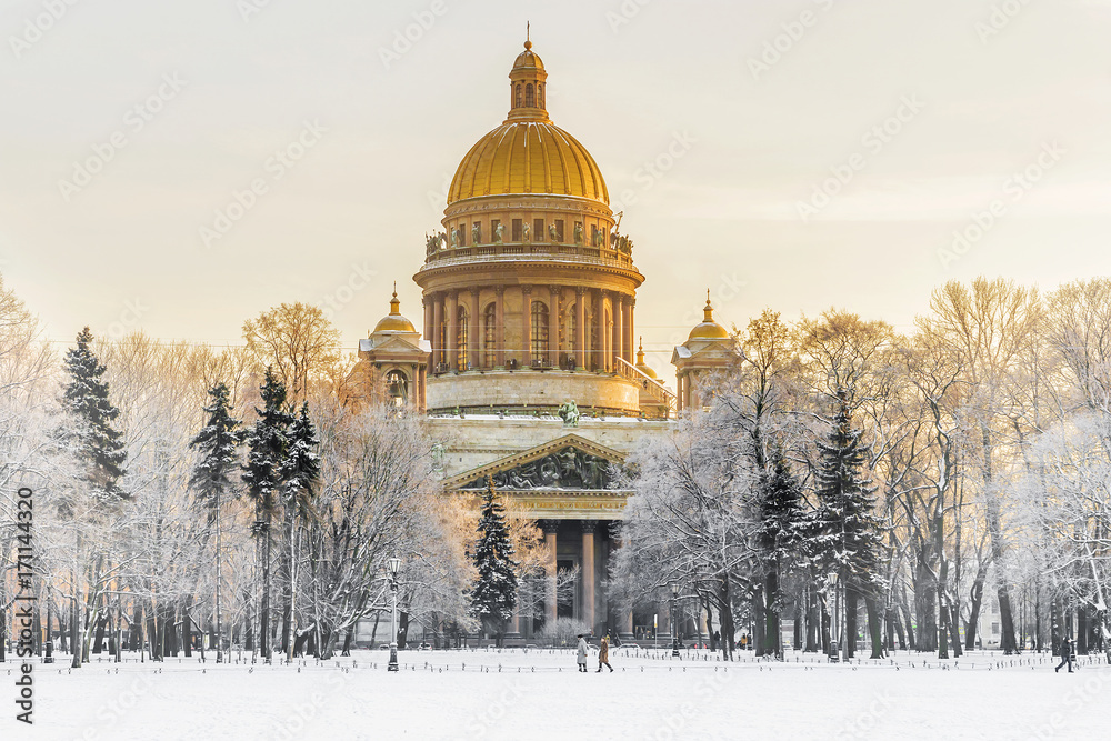 Fototapety, obrazy: Winter view of St. Isaac's Cathedral in St. Petersburg