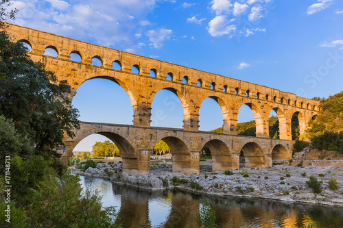 La pose en embrasure Ponts Aqueduct Pont du Gard - Provence France