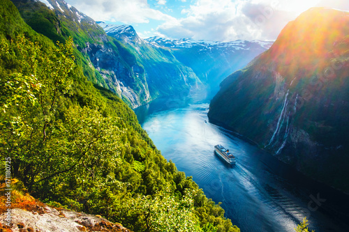 Breathtaking view of Sunnylvsfjorden fjord Tableau sur Toile