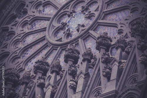 Poster Artistique Fragment of beautiful building in the gothic style