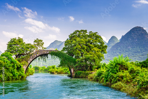 Foto op Canvas Guilin Yangshuo, China at the Dragon Bridge spanning the Li River.