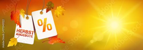 Photo  Herbstangebot - Hängende Etiketten mit Herbstblätter und sonniger Bokeh Herbst K