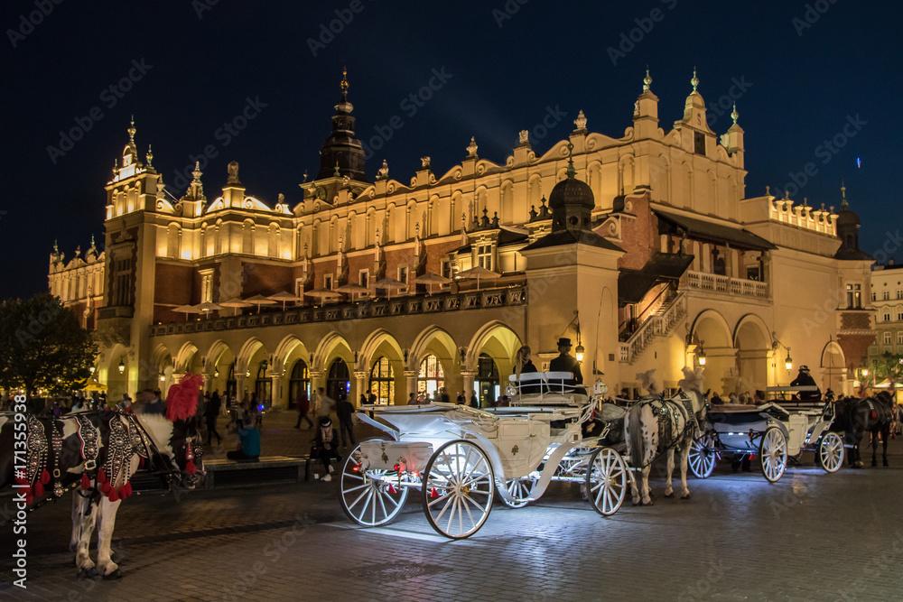 Fototapety, obrazy: Rynek w Krakowie. Zdjęcie nocne.