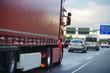 Lastwagen auf der Autobahn, Transport