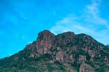 Lion Rock,Mountain It Seems Li...