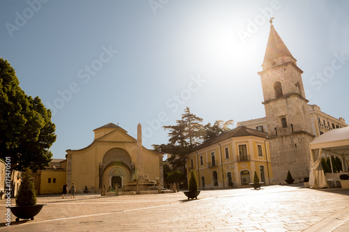 Photo Church of Santa Sofia and its bell tower with blue sky in Benevento (Italy)