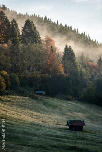 piekny-krajobraz-gorski-jesienia