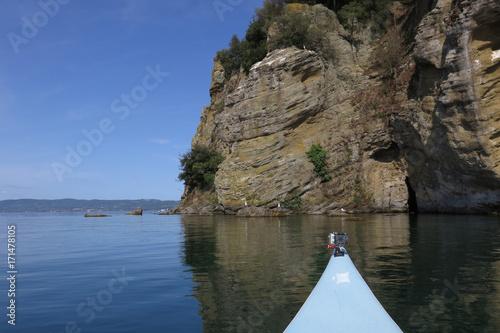 Fotografie, Obraz  escursione in kayak all'isola Martana sul lago di Bolsena