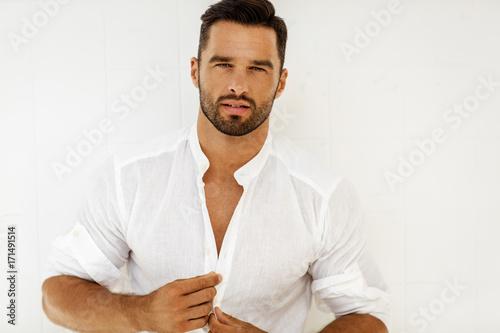 Fotografia  Portrait of handsome man