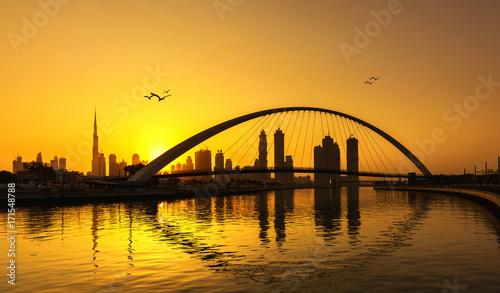 dubai-skyline-thru-canal-bridge