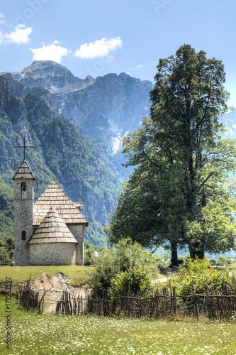 Photo Mountain landscape in Theth, Albania.