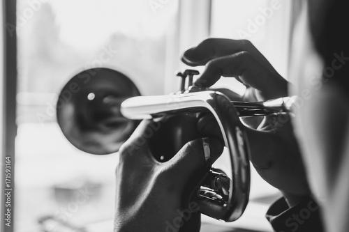 Obraz na płótnie man plays the trumpet