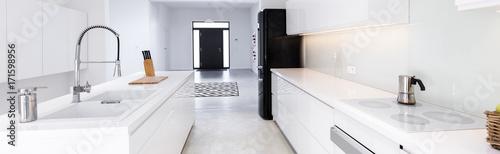 Obraz High gloss white kitchen - fototapety do salonu