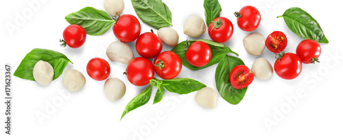 Poster Légumes frais Mozzarella cheese balls, cherry tomatoes and green fresh organic basil isolated on white