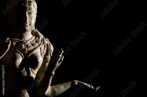 Photo  Religious artifact. Bronze statue of Hindu Goddess Lakshmi