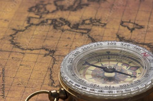 Obraz na płótnie Ancient map with compass
