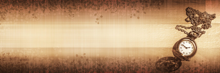 Banner Panorama Bild mit Holz Hintergrund und kleiner nostalgischer Taschenuhr