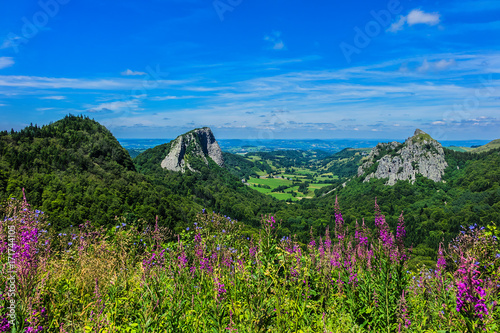 Photo Famous Auvergne rocks: Tuiliere and Sanadoire