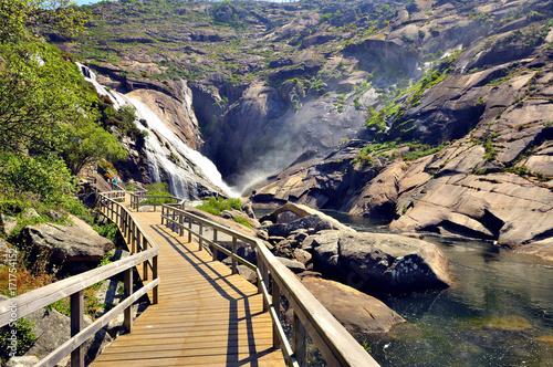 Montage in der Fensternische Wasserfalle Waterfall of ezaro