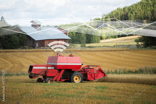 Aufkleber - Self driving combine harvester. Internet of things in agriculture