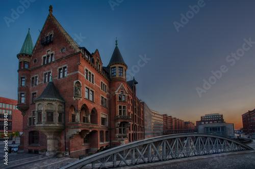 Speicherstadt - Hamburg warehouse district and bridge © malexeum