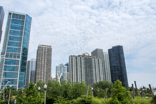Obraz na dibondzie (fotoboard) Drapacze chmur i Maggie Daley Park, Chicago, Illinois
