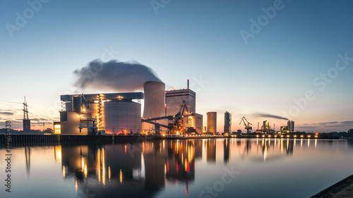 Obraz na płótnie Lünen węgla elektrownia na kanale przy wschodem słońca