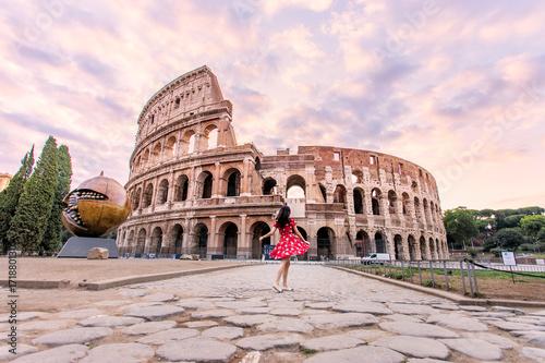 Zdjęcie XXL Ikoniczne Koloseum w Rzymie, Włochy