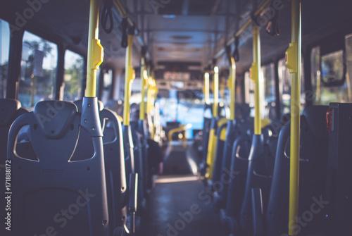 Canvastavla At the bus