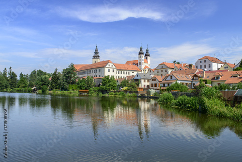 Fototapety, obrazy: Beautiful l scenic views of  lake in telc in czech republic with reflected city