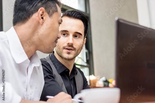 Staande foto Hoogte schaal business man talking about work in morning