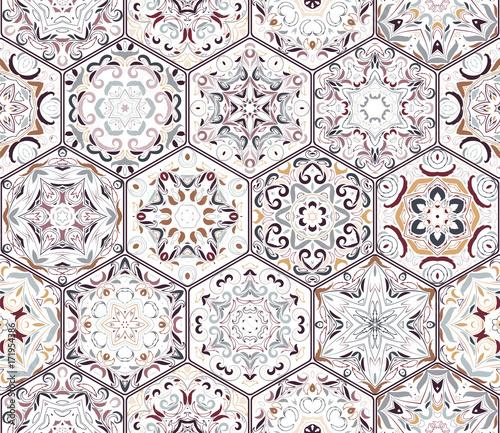 bogaty-zestaw-szesciokatnych-plytek-ceramicznych-wschodni-kolorowy-dywan-kolorowe-elementy-w-stylu-orientalnym-ilustracji