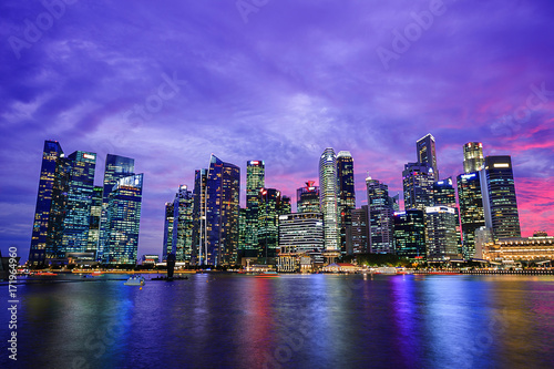 Photo  central business district building of Singapore city at sunset