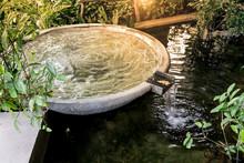Circle Shape Water Fountain An...