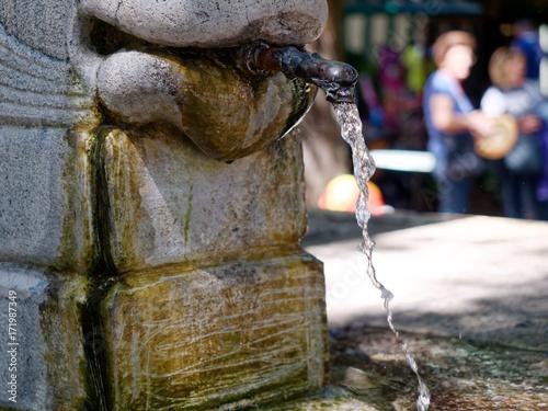 Autocollant pour porte Fontaine streaming Urban Fountain