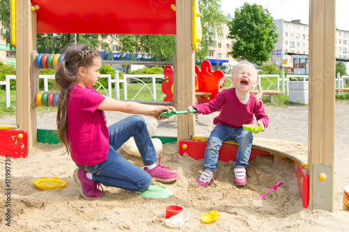 Fotografie, Obraz  Conflict on the playground