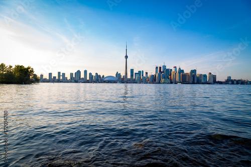 Fototapeta Toronto w centrum linia horyzontu z zmierzchem