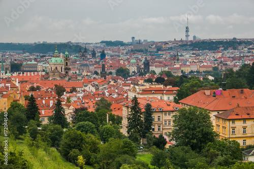 Plakat Panoramiczny widok Praga podczas deszczowego dnia