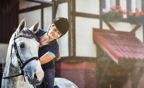 Photographie Horse rider woman near stable horsewoman before training