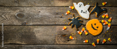 Photo Halloween concept with cookies and candies